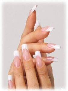 pink-and-white-nails_2